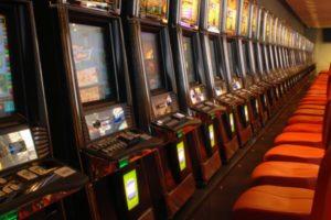 País Vasco también suspende las licencias de juego