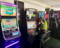 Decomisan 23 máquinas tragamonedas de contrabando