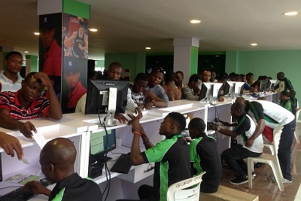 Unemployed Nigerians find solace in sports betting, make it full-time job