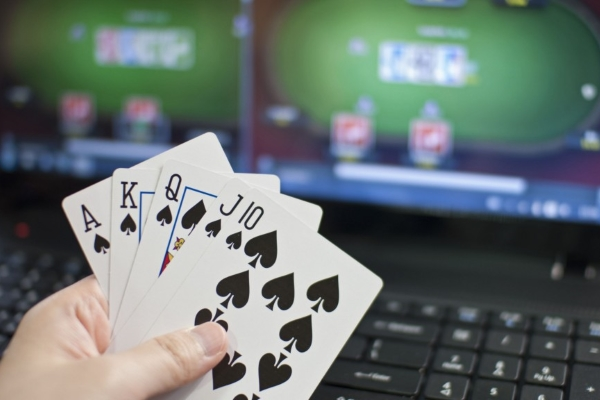 Shared online poker liquidity