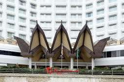 Genting drops Malaysian lawsuit over taxes