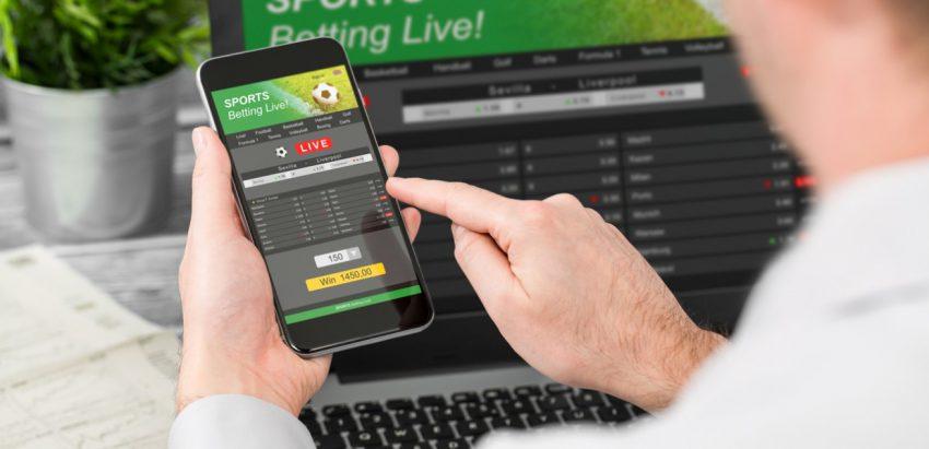 Apple rates gambling apps 17+