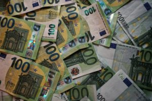 Loto Quebec revenue drops in 3Q